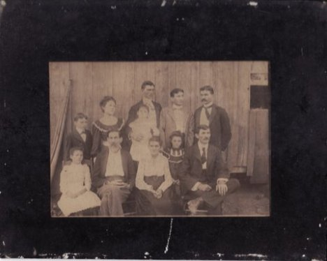 Old Auld Family
